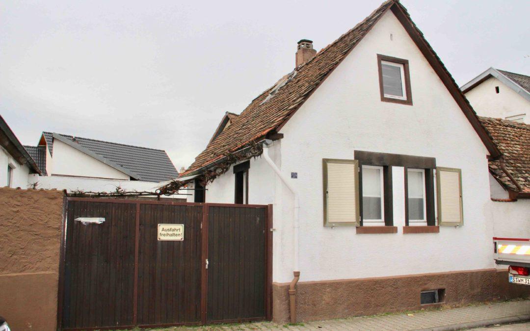 Sanierung oder Abriss – zwei Einfamilienhäuser mit Innenhof und Doppelgarage in Pfungstadt